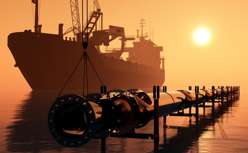 Polska wciąż poszukuje nowych źródeł dostaw ropy naftowej /123RF/PICSEL