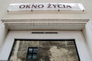 """Polska wezwana do likwidacji """"okien życia"""". Prawnicy: Komitet nie może ingerować w wewnętrzne sprawy"""