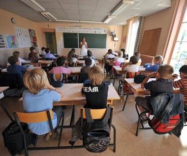 Polska zalana falą likwidacji szkół
