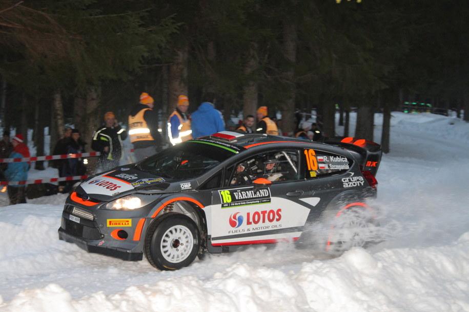 Polska załoga Robert Kubica i Maciej Szczepaniak (Ford Fiesta WRC) na trasie odcinka testowego przed Rajdem Szwecji /Marek Wicher    /PAP