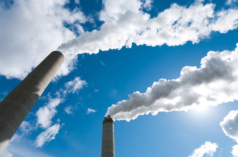 Polski budżet zyskał w tym roku rekordową sumę na sprzedaży firmom prawa do emisji Co2 /123RF/PICSEL