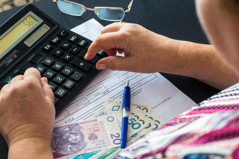 Polski Ład przesunie próg dochodów, powyżej którego opłacalnym będzie przejście na podatek liniowy. /Arkadiusz Ziółek /East News