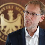 Polski lek na COVID-19 w zawieszeniu od ośmiu miesięcy