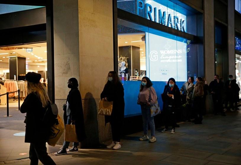 Polski rynek szturmują  marki modowe /AFP