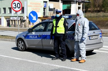 Polski rząd wprowadza nowe obostrzenia. Jak ich przestrzegania będzie kontrolowała policja?