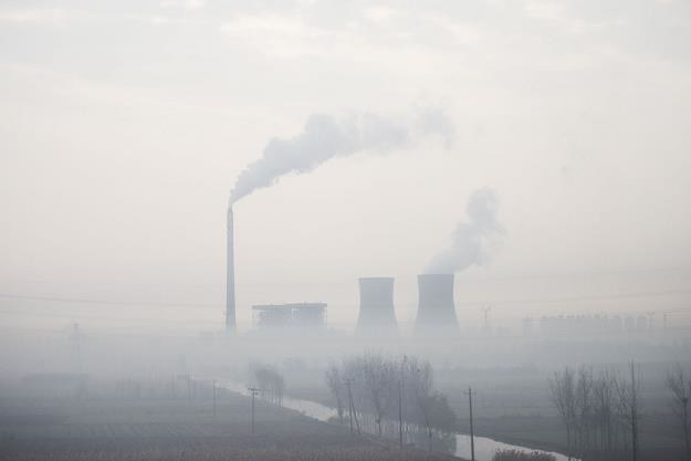 Polski smog dotrze do.. Brukseli /AFP