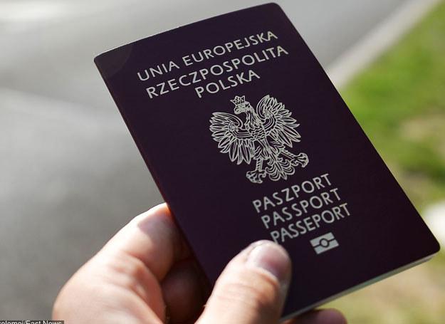 Polskie dokumenty są dobrze zabezpieczone /Lukasz Szelemej /East News
