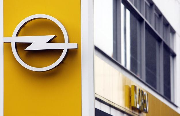 Polskie fabryki Fiata i Opla muszą ograniczać produkcję /AFP
