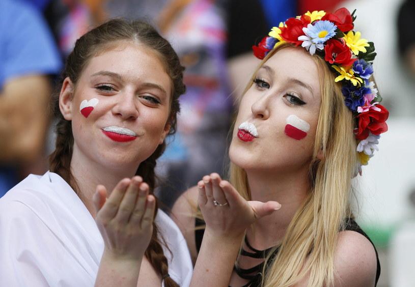 Polskie fanki na stadionie w Saint Etienne /PAP/EPA