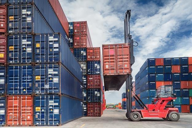 Polskie firmy eksportują coraz więcej... /©123RF/PICSEL