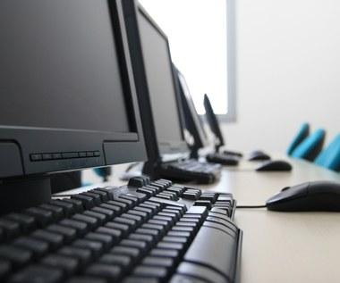 Polskie firmy pozwalają się okradać … swoim pracownikom