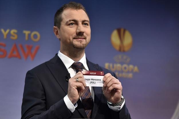 Polskie kluby zwiększają wydatki na transfery /AFP