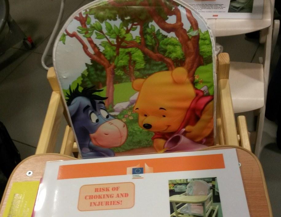 Polskie krzesełko dla dzieci pokazywane na wystawie w Komisji Europejskiej. /Katarztyna Szymańska-Borginion /RMF FM