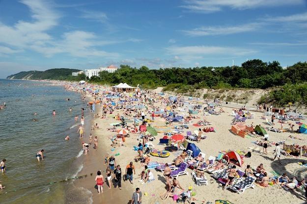 Polskie morze to jeden z najpopularniejszych celów wakacyjnych podróży polityków /fot. Ł. Kalinowski /East News