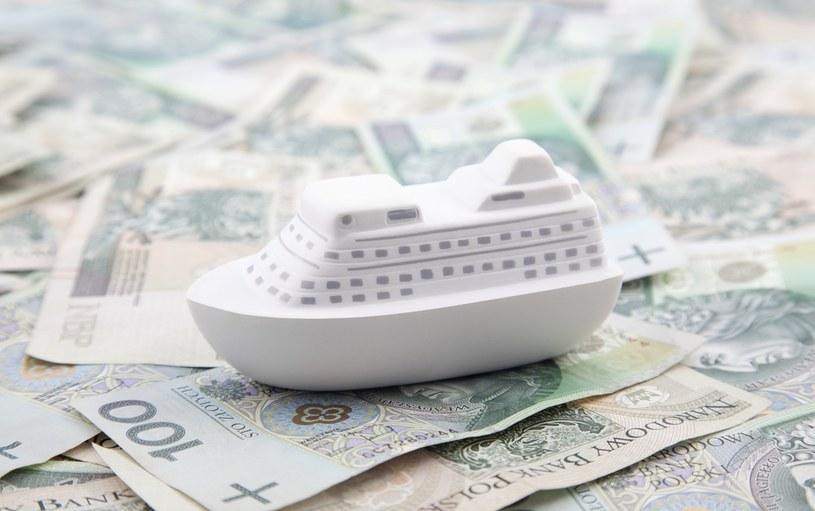Polskie samorządy mają problem z dochodami /123RF/PICSEL