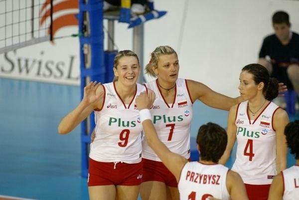 Polskie siatkarki od zwycięstwa nad Grecją rozpoczęły turniej eliminacyjny do MŚ'2006 /Foto: Plus GSM
