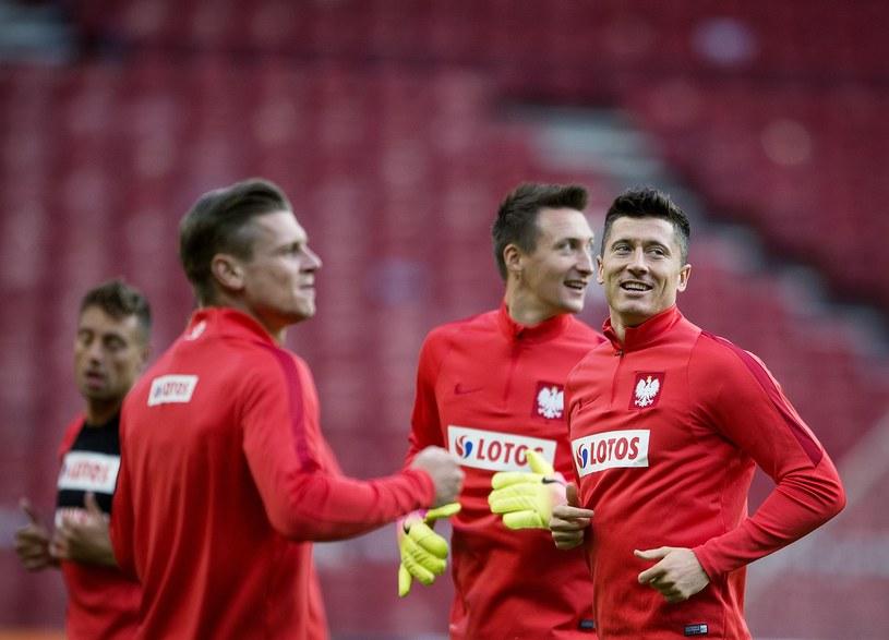 Polskim piłkarzom dopisują humory /AFP