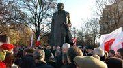 Pomalowano pomnik Dmowskiego
