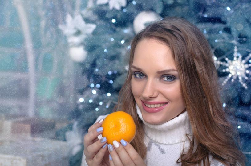 Pomarańcze, mandarynki i klementynki to naturalny słodki przysmak na zimę /123RF/PICSEL