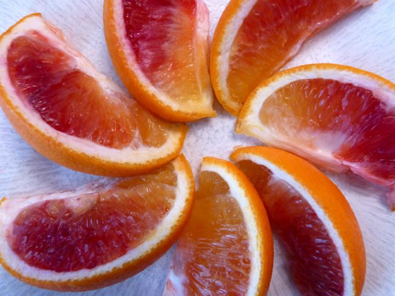 pomarańcze na zdrowie /© Photogenica