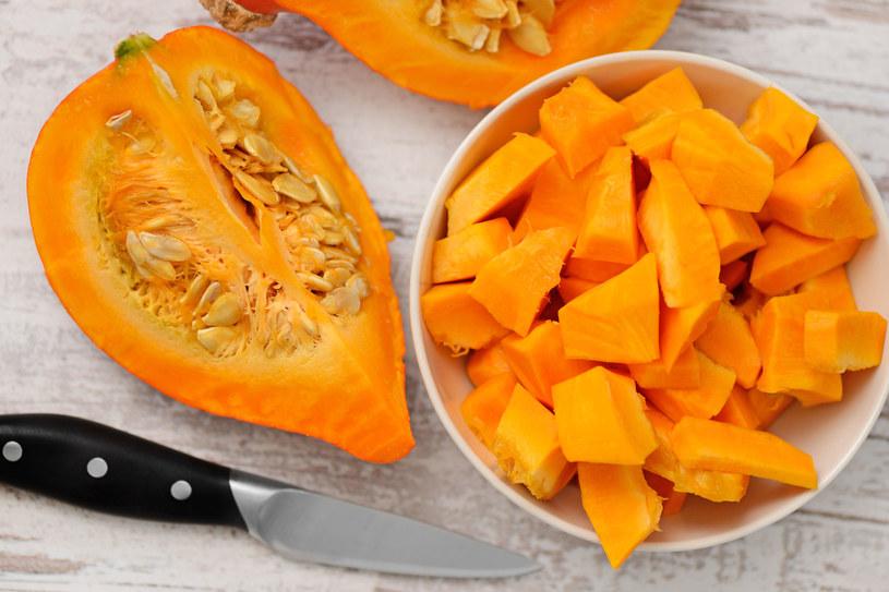 Pomarańczowa dynia posiada sporo beta - karotenu /123RF/PICSEL