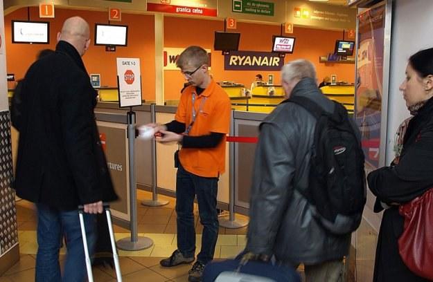 Pomarańczowi stoją codziennie na pierwszej linii frontu obsługi pasażerów /Informacja prasowa