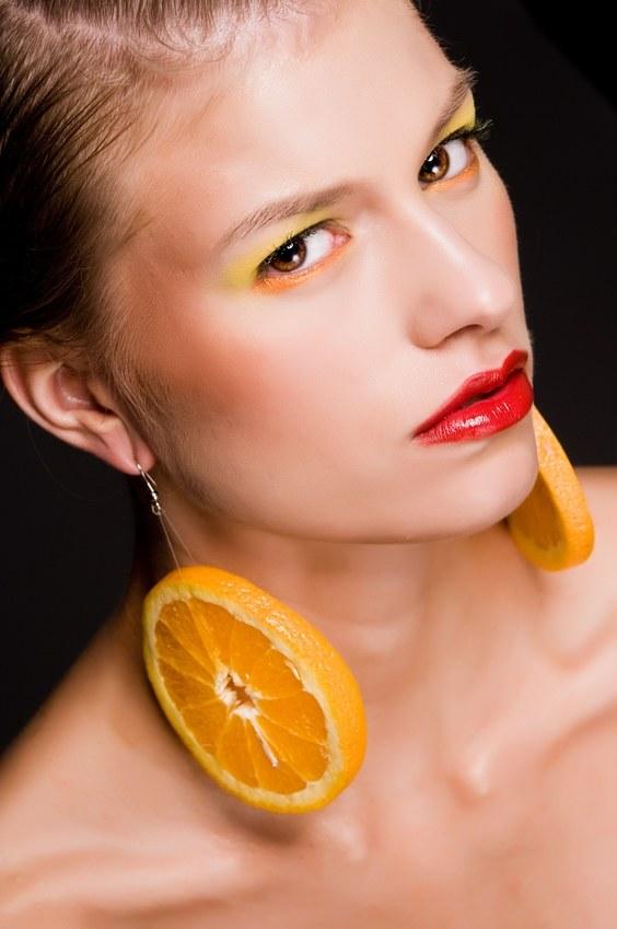 Pomarańczowy cień do powiek /© Panthermedia