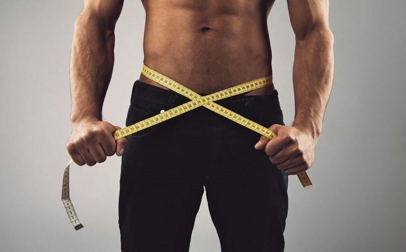 Pomiar tkanki tłuszczowej powie nam, czy naprawdę robimy postępy treningowe /123RF/PICSEL