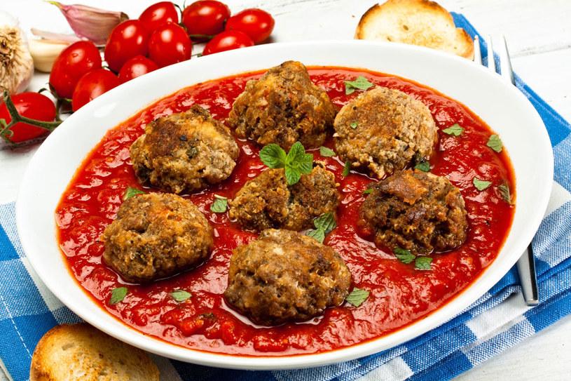 Pomidorowa z pulpecikami /123RF/PICSEL