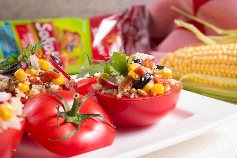 Pomidory z kuskusem /materiały prasowe