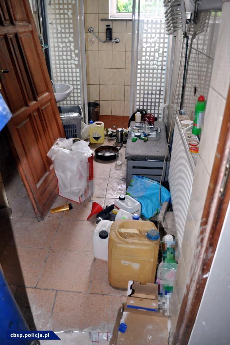 Pomieszczenie, w którym produkowano narkotyki /foto. CBŚP /Materiały prasowe