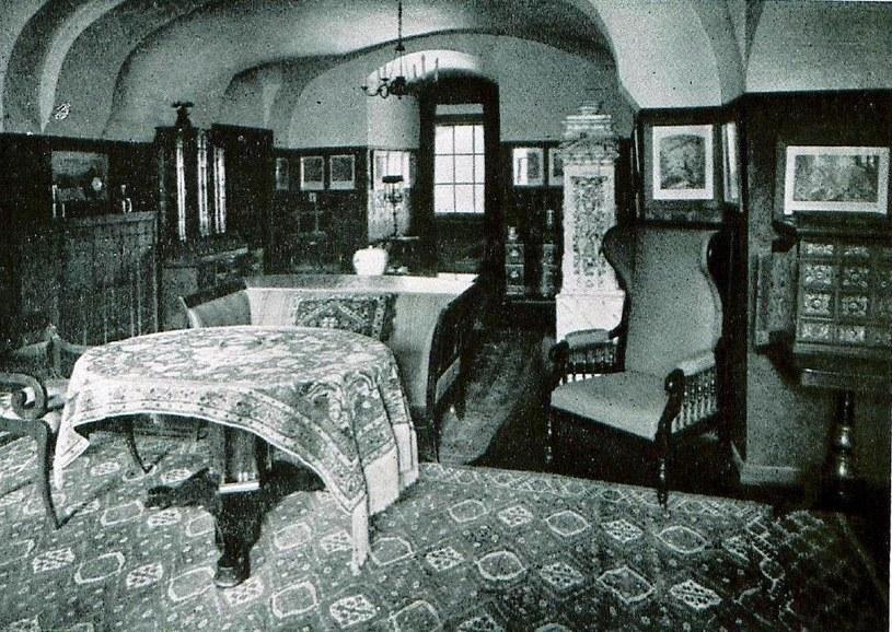 Pomieszczenie zwane pokojem Marii. Pałac w Nowym Kościele, rok 1930. Zbiory Autora. /