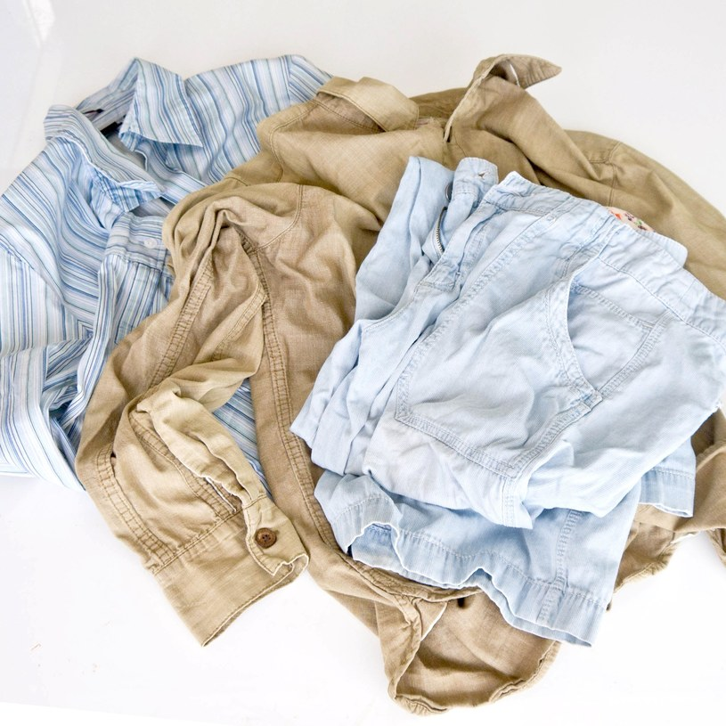pomięte ubrania /© Photogenica