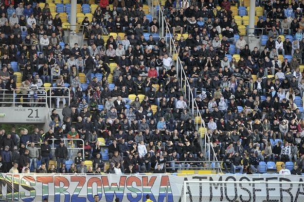Pomimo protestów kibiców, frekwencja na stadionach Ekstraklasy wzrosła. Fot. Adam Warżawa /PAP
