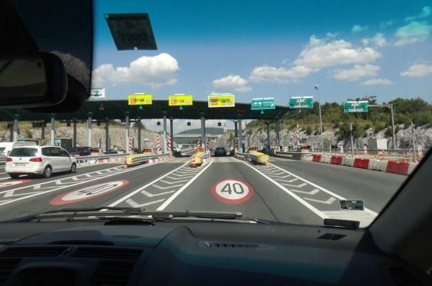 Pomimo wprowadzenia winiet, z autostrad w Słowenii nie zniknęły bramki... /INTERIA.PL