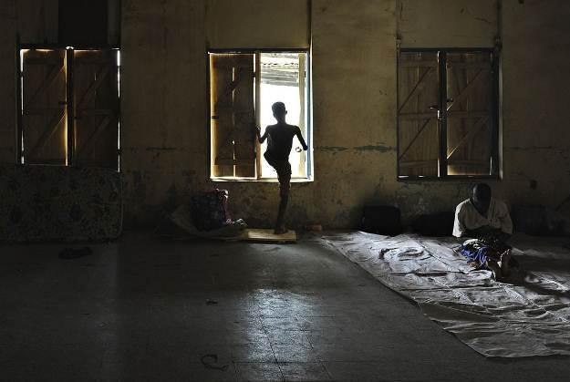 Pomimo złóż naturalnych, Nigeria to kraj biedny. Cyberprzestępcy to wykorzystują /AFP