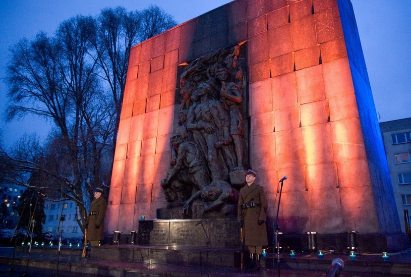 Pomnik Bohaterów Getta /M. Dyjuk /Reporter