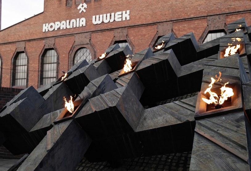 Pomnik Dziewięciu z Wujka przy ul. Wincentego Pola w Katowicach / Andrzej Grygiel    /PAP