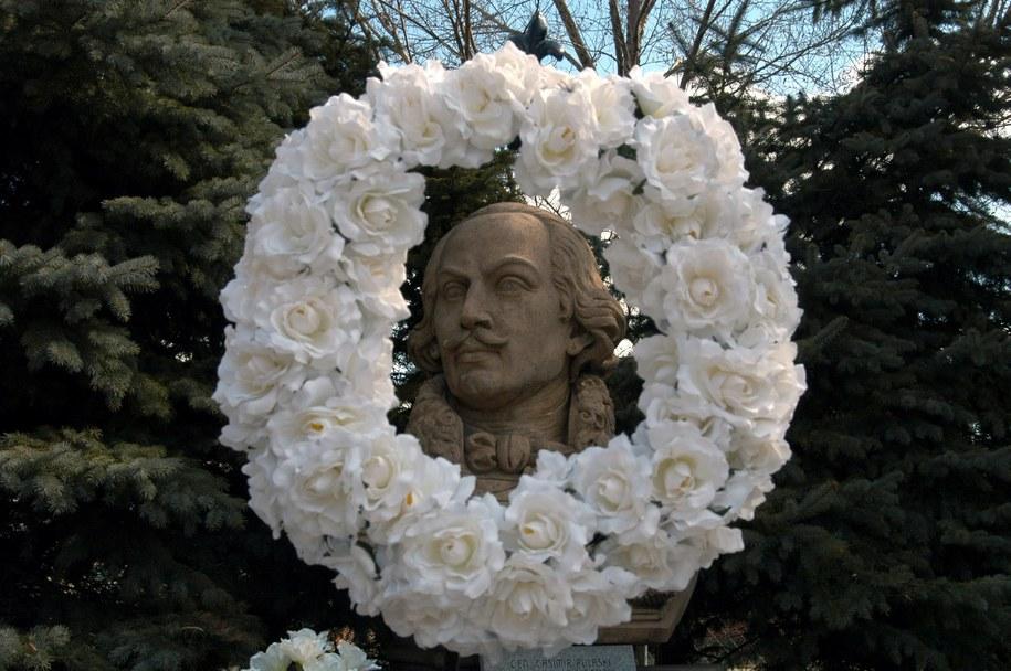 Pomnik gen. Pułaskiego w Chicago /Piotr Batorowicz /PAP