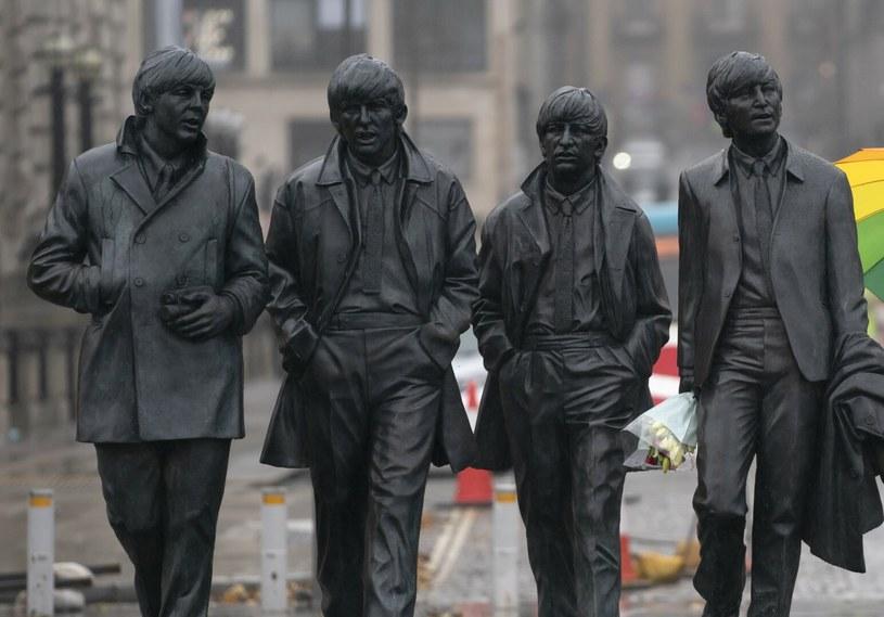 """Pomnik grupy """"The Beatles"""" jest jedną z największych atrakcji Liverpoolu /AP/Associated Press/ /East News"""