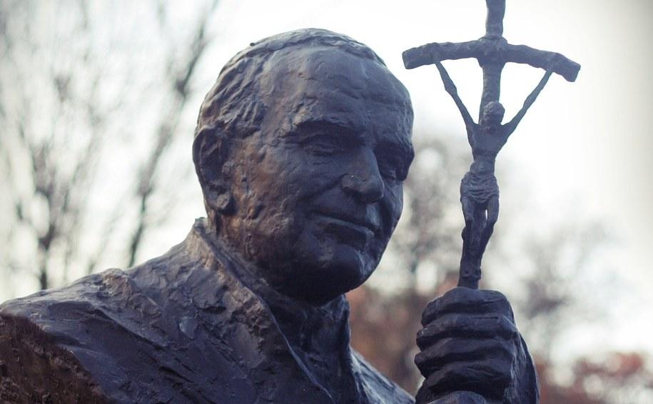 Pomnik Jana Pawła II (zdj. ilustracyjne) /mn /Archiwum RMF FM