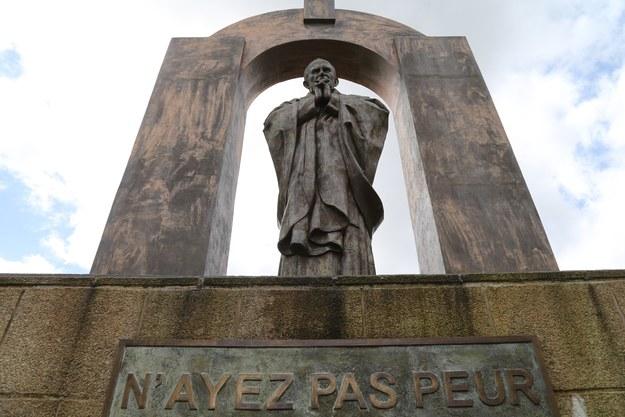 Pomnik Jana Pawła II /Bruno Perrel/Panoramic /PAP/EPA