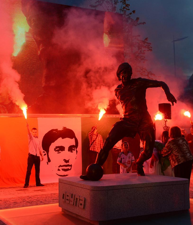 Pomnik Kazimierza Deyny przy stadionie Legii Warszawa /East News /East News