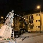 Pomnik ks. Jankowskiego przewrócony. Trzy osoby zatrzymane