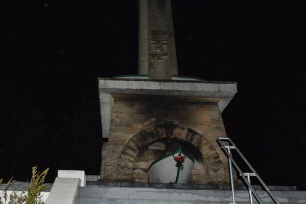 Pomnik odnawiali społecznicy /Gorąca Linia /Gorąca Linia RMF FM