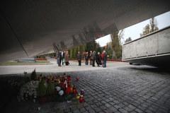 Pomnik ofiar tragedii smoleńskiej niemal gotowy