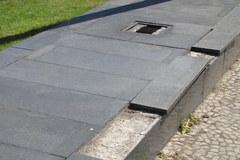Pomnik Poznańskiego Czerwca '56 w skandalicznym stanie