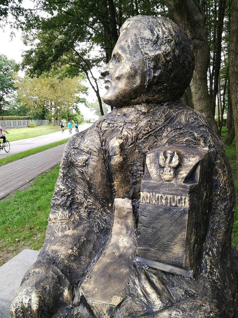 Pomnik Przemysława Gosiewskiego /Domin /East News