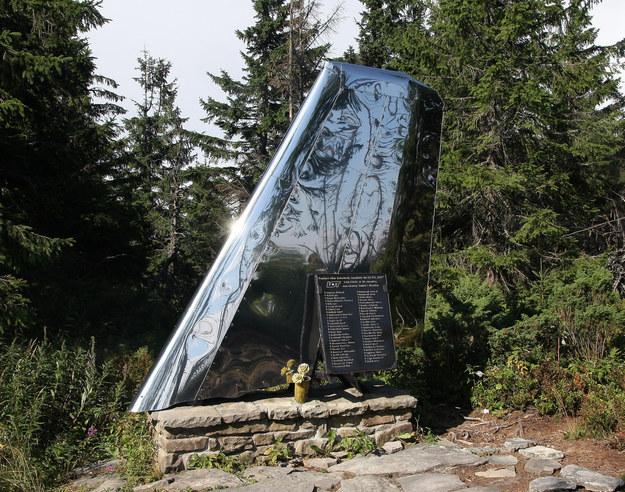 Pomnik upamiętniający katastrofę lotniczą na Policy. /MONKPRESS /East News