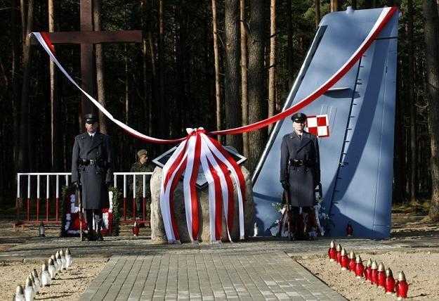 Pomnik upamiętniający ofiary katastrofy CASY, fot. A. Borowy /Reporter